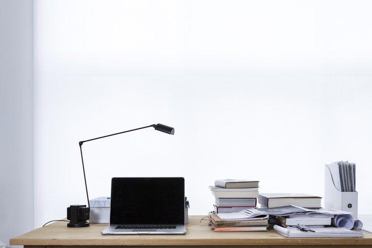 13 Daftar Peralatan Kantor yang Harus Anda Miliki